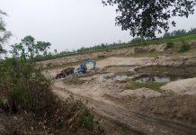 পীরগঞ্জে ড্রেজার ও উটকল দিয়ে বালু উত্তোলন,কর্তৃপক্ষ নীরব